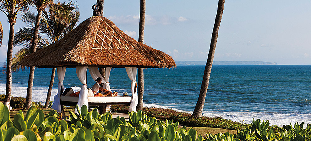 Nirwana Spa - Spa treatment at the Bale by the beach of Pan Pacific Nirwana Bali Resort