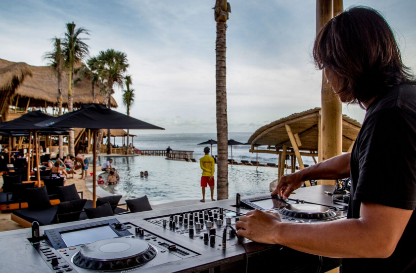 DJ at Finns Beach Club