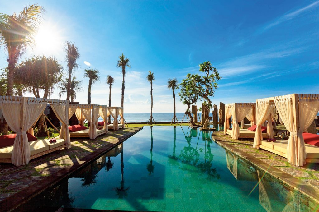 Beach clubs in Bali - Standing Stones