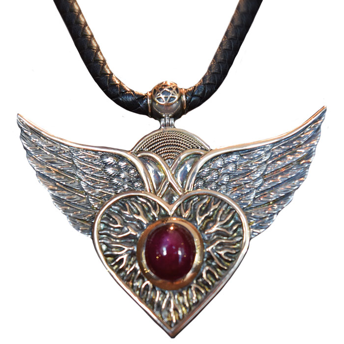 shopping-necklace-flying-heart-ruby-with-18k-gold-3