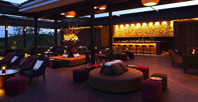 metis-lounge-seminyak-night