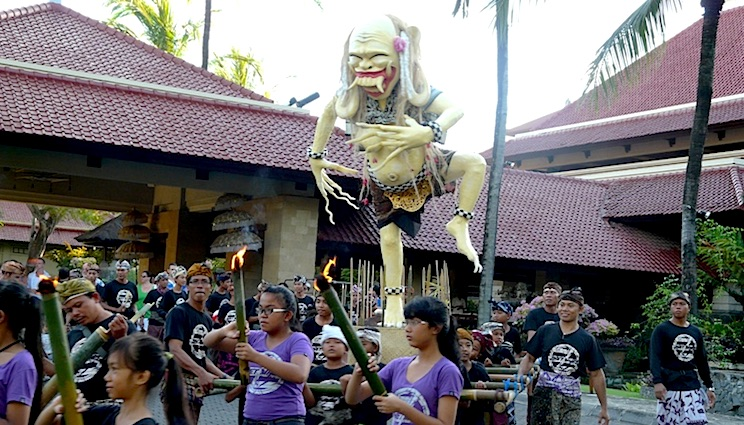 Intercontinental Nyepi Ogoh Ogoh