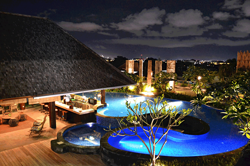 Four-Points-Bali---Vertigo-Rooftop-Pool