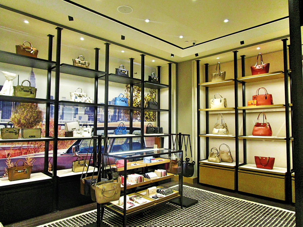 NIT---Coach-Opens-Store-in-Beachwalk