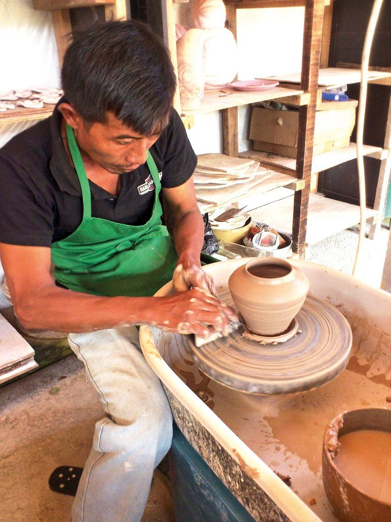 Theme - WTD- Pottery making class - Artha ceramic (2)