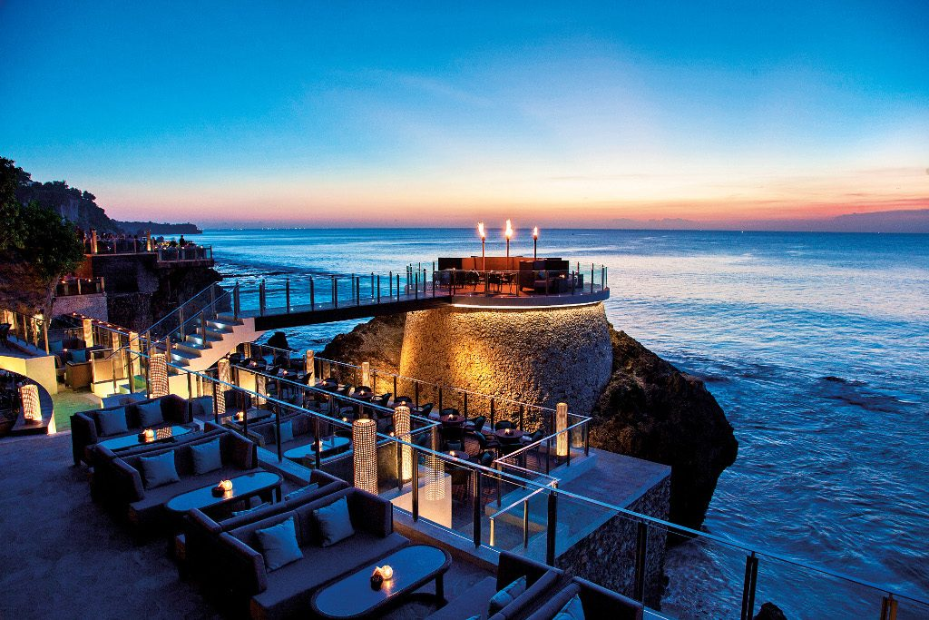 Theme - WTG - beachfront venue - ROCK BAR - EXTENSIONS DURING SUNSET