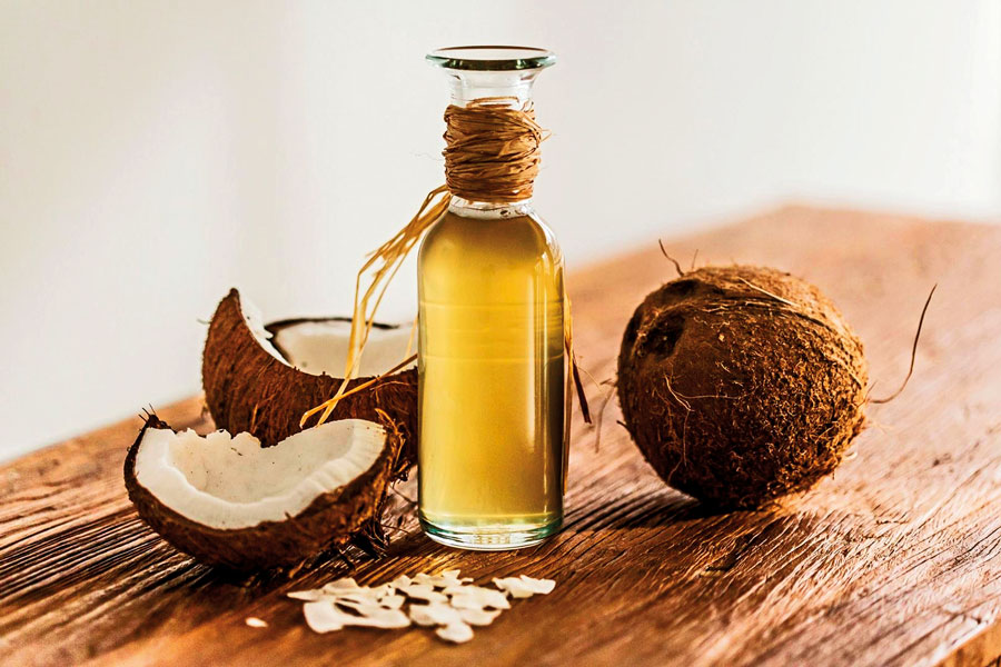 Theme---spa-ingredients-&-benefits---coconut-oil-(1)