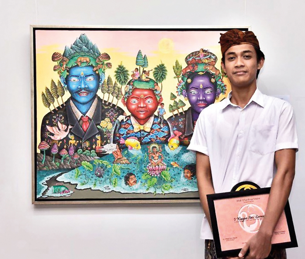 TITian Prize winner Wayan Aris Sarmanta and his painting __Keluarga Bumi__