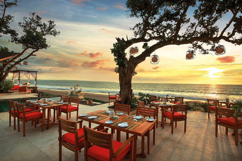 Bali Beachfront Restaurants Sanje Restaurant & Lounge