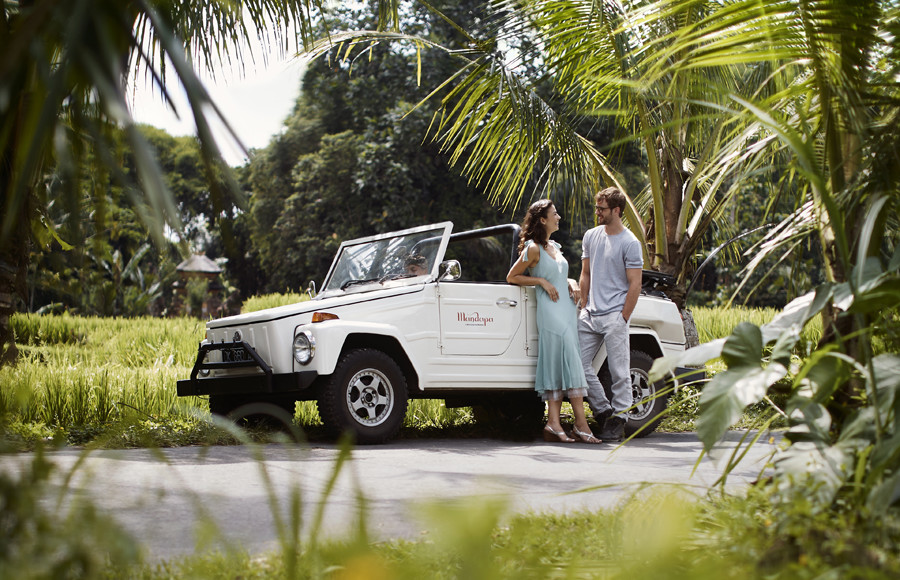 Where to propose in Bali Mandapa Vintage car Tours