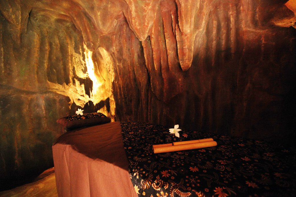 Cave Treatment Room - Photo courtesy of Desa Visesa