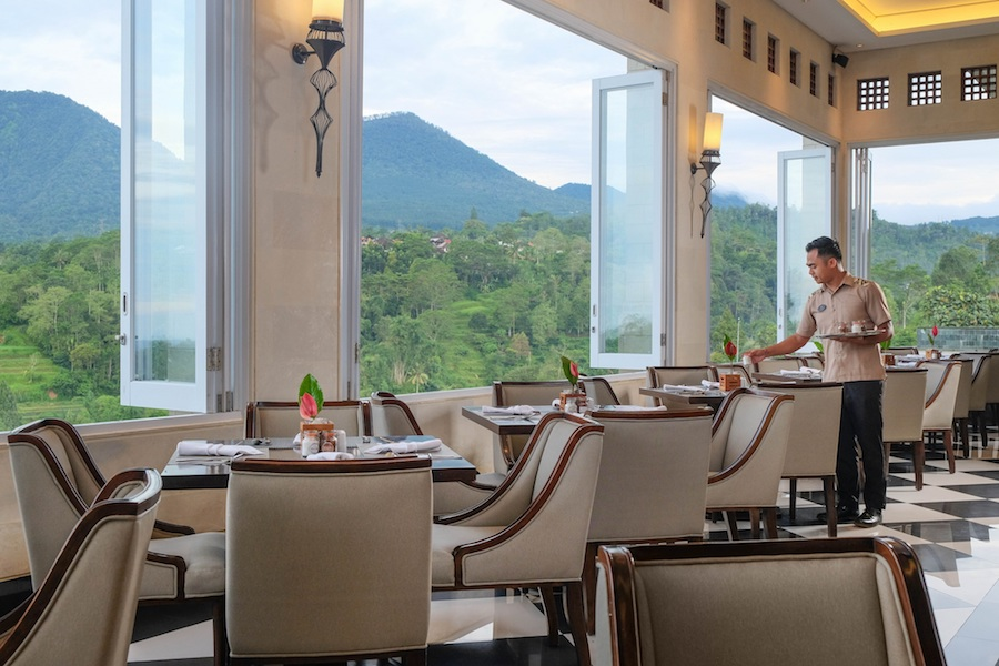 L_Altitude Restaurant Sarama Resort and Spa Bedugul restaurant