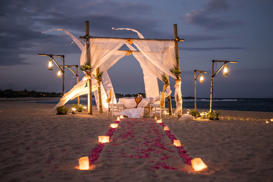 Valentines Day Romantic Dinner in Bali - Ayodya Nusa Dua