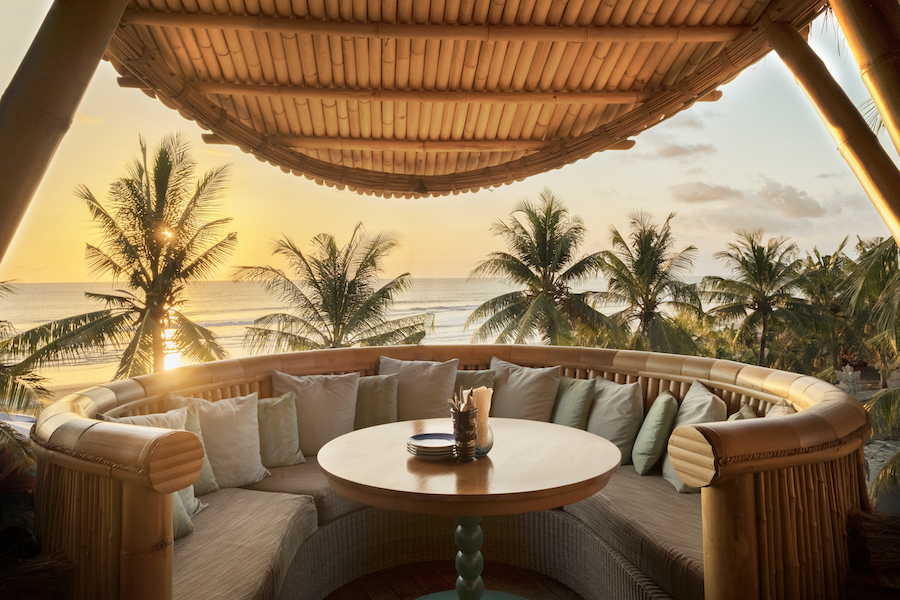 Azul Beach Club Sunset Pod
