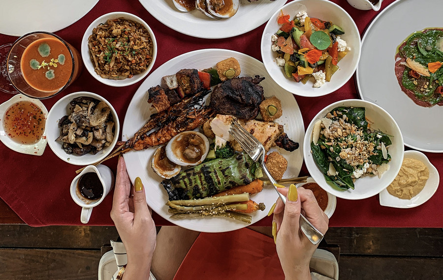 Cascades Sunday Barbecue Brunch Fires Up in Ubud