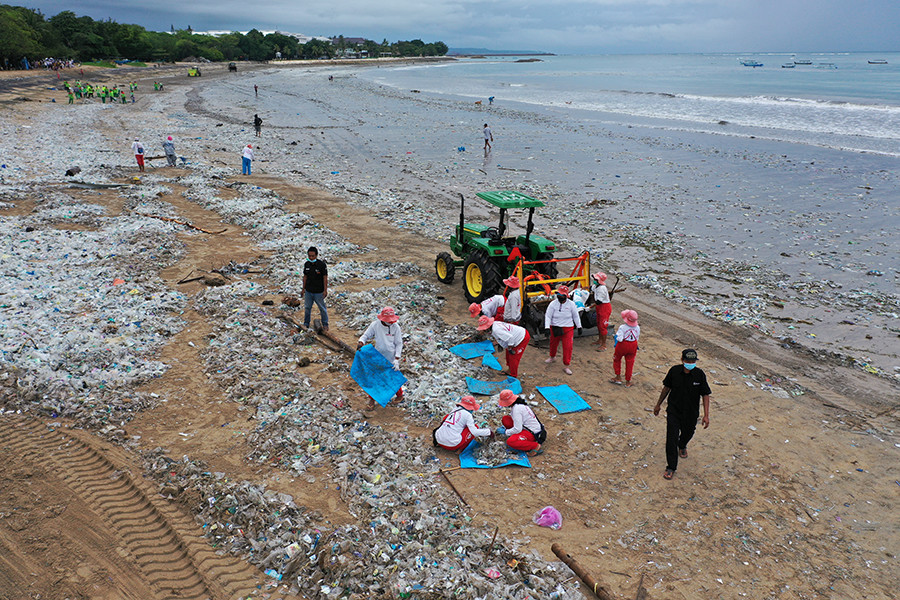 Wave of Plastic Waste Returns to Bali Shores (And How We Can Stop It)